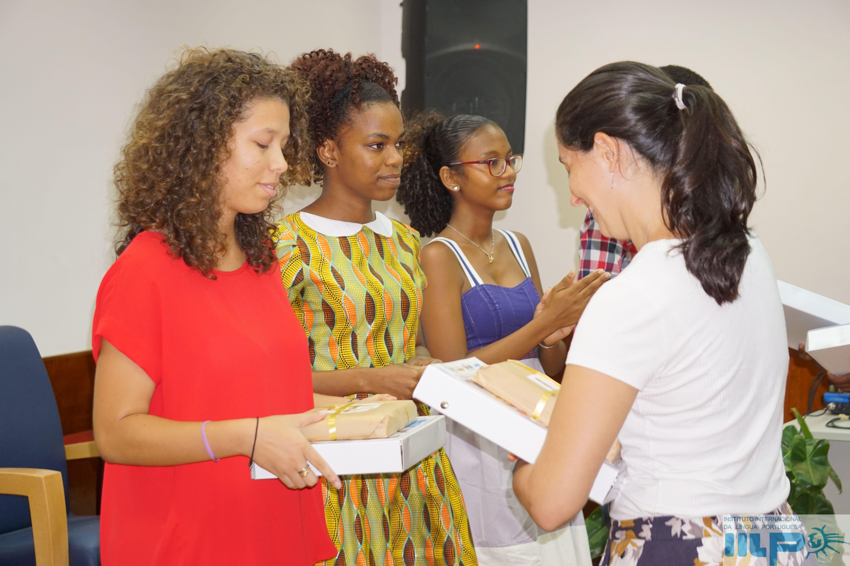 Mujeres solteras en–447442
